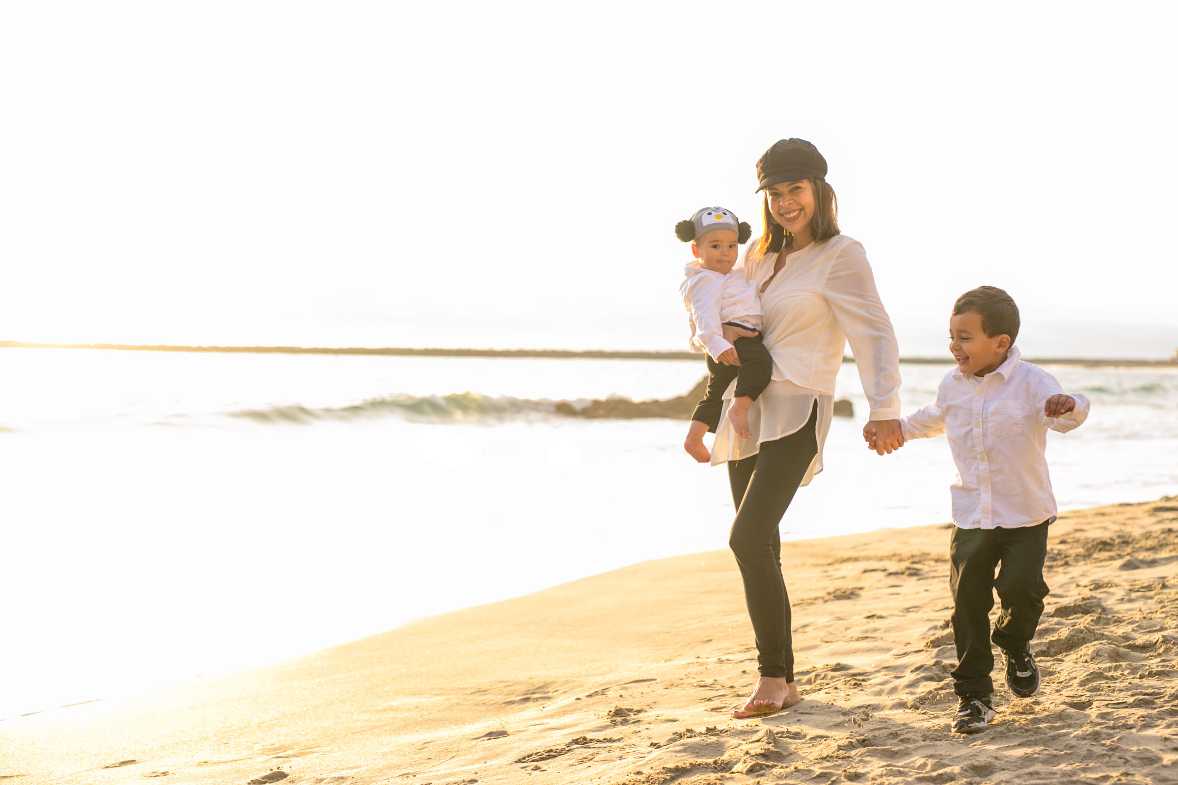 Corona Del Mar Beach - Family Portraits - Gutierrez Family