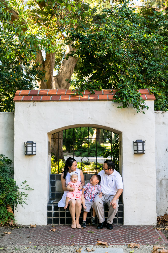 bycphotography-pomona-claremont-colleges-family-portraits-bak-family-005