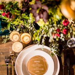 table setting for outdoor wedding