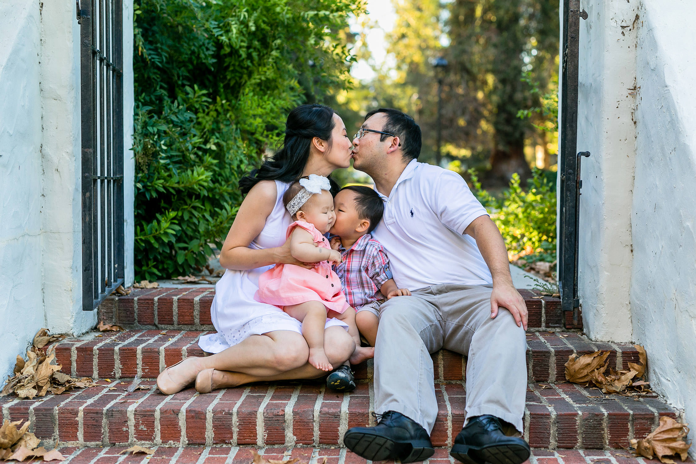 family portraits session at the Mckenna College in Claremont, California